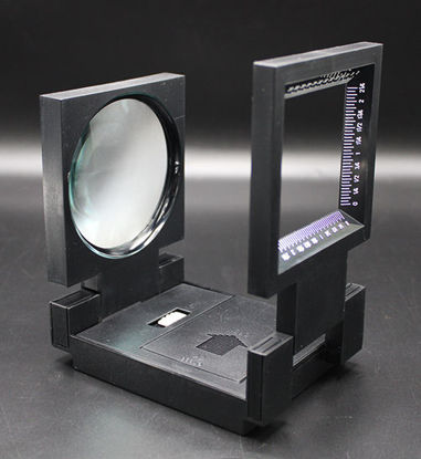 "Picture of EA - MC-431 - 2.5X Illuminated Magnifier, 3.5"" Diameter (MC431)"